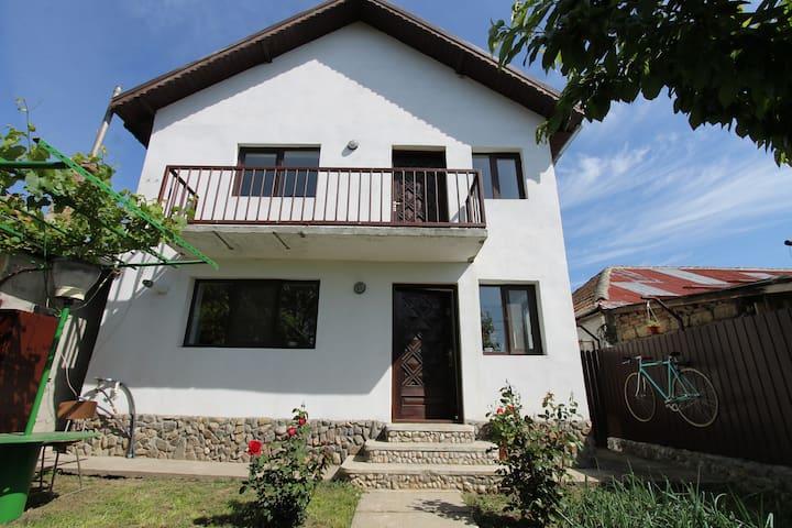 EuroVelo 6 Villa