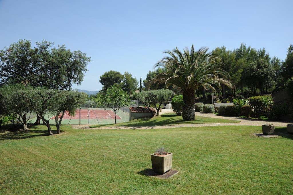 Ihr privater Tennisplatz