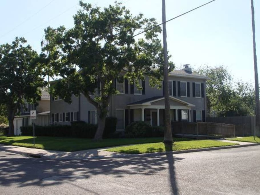 Full Apartment One Block From The Water Apartments For Rent In Corpus Christi Texas United