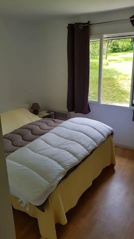 chambre 2, lit 160