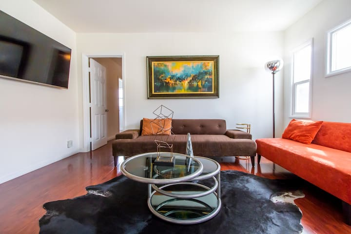 BEST Los Feliz Two Bedroom Luxury 2