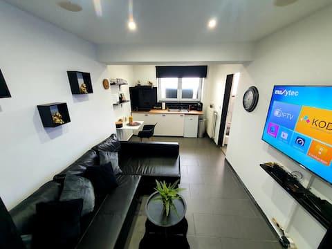 Sehr schönes Studio in der Nähe von Brüssel gemietet.