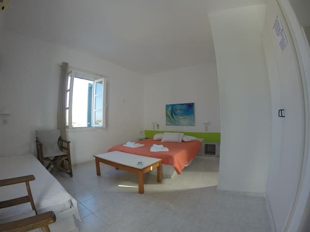 Traditional Studio in Paros (located in Lefkes) - Lefkes - House