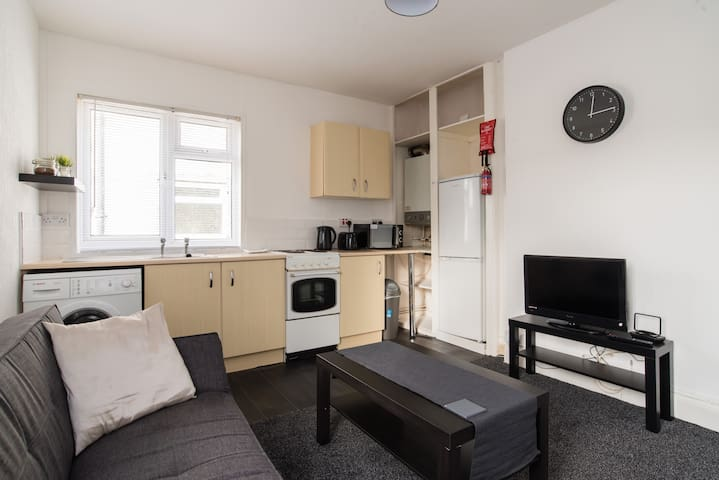 Entire Place, 1 Bedroom Flat in Cardiff