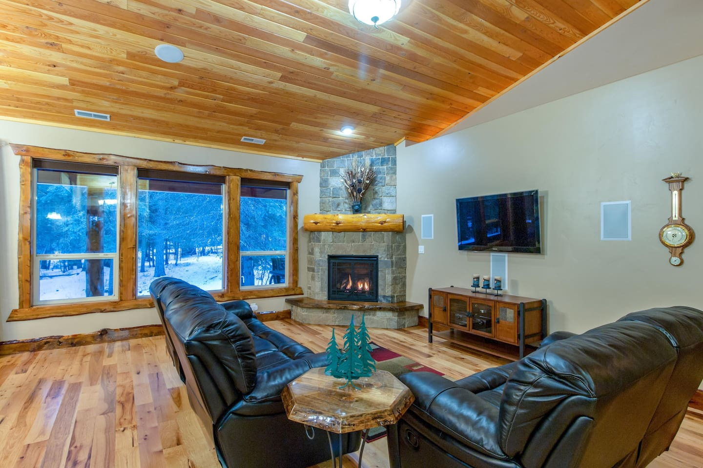 Whiskey Mountain Retreat - Houses for Rent in Donnelly, Idaho ...