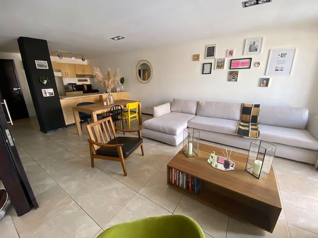 Cozy Entire Apartment in Zone 10.