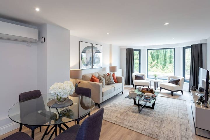 Stunning 2BD Apartment in Earls Court