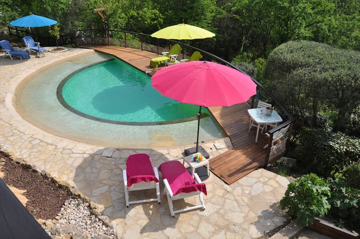 Riviera family paradise - heated pool and boule
