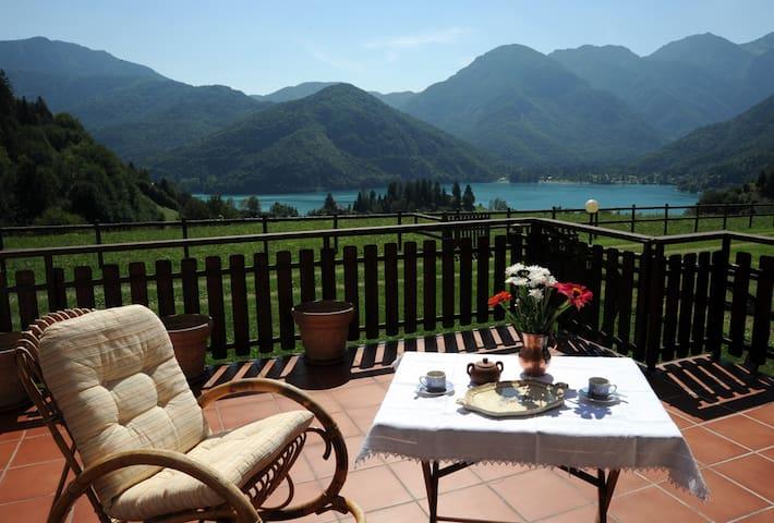 Appartamento Bellavista con splendida vista lago - Mezzolago - Apartment