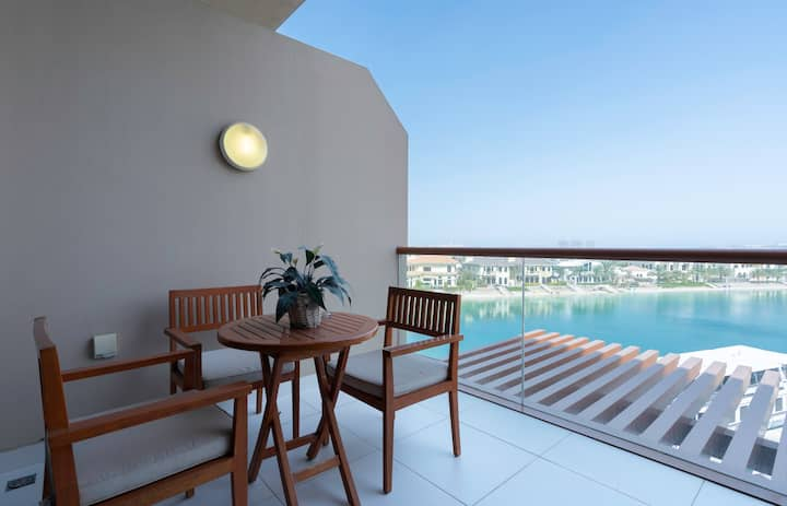 Luxury Studio with Gorgeous Views of Palm Jumeirah