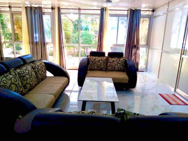 Silver Oak Farm Stay- Himshikha view room