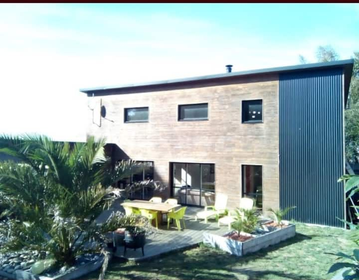 Villa esprit loft piscine jacuzzi 3km de la mer
