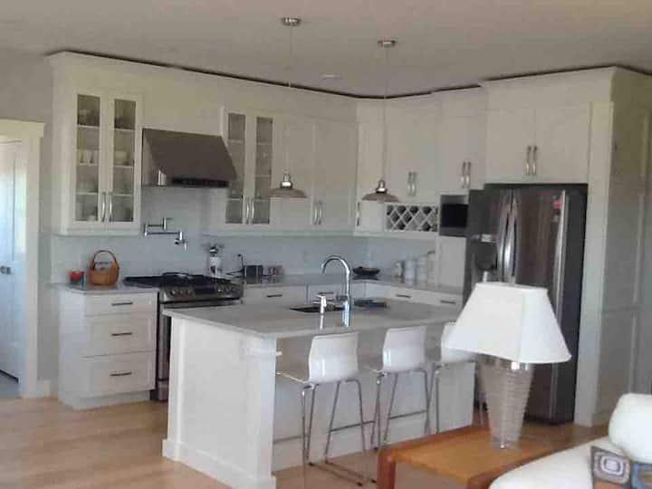 Brackley Beach Get-away Cottage