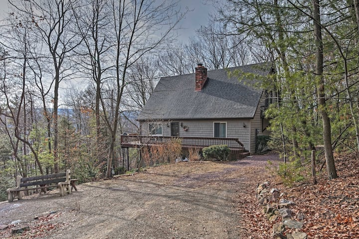 Palmerton Home on 3 Acres - 5 Mi to Blue Mountain!