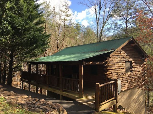 Mountain Romance Cabin in Pigeon Forge