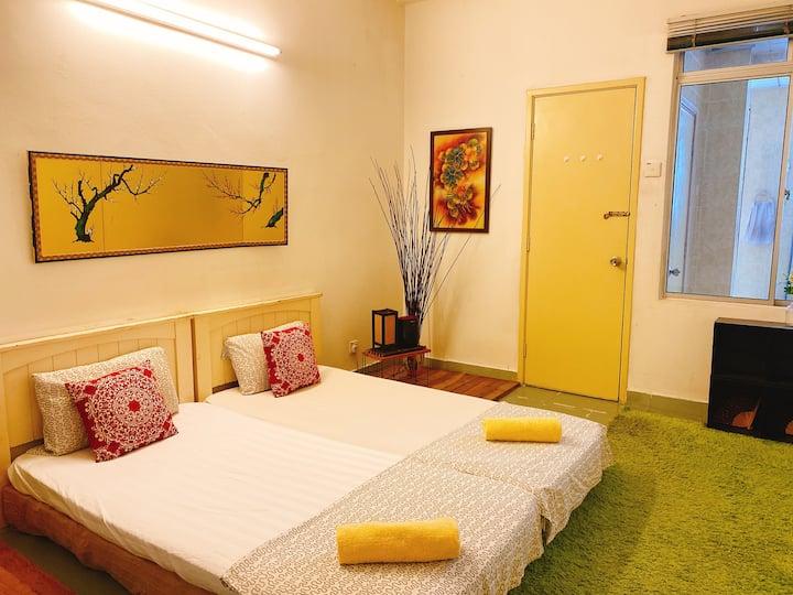 PROMO: HUGE BEDROOM+PRIVATE BATHROOM