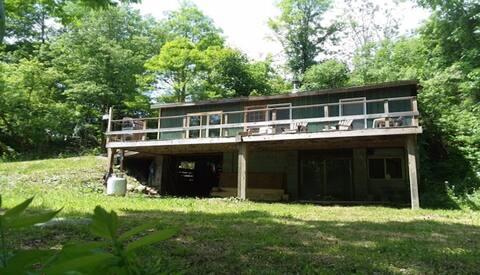 Rustic, Adirondack Cabin - Unplug and Relax!