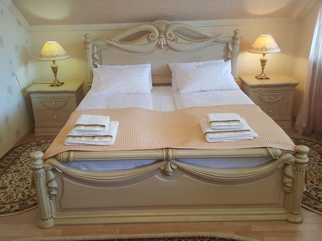 Апартаменты в элитном доме на тихой улице - Mukacheve - Guest suite
