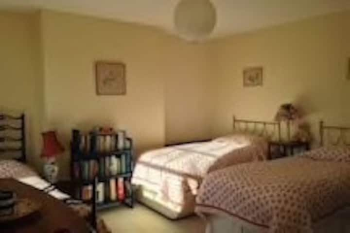 Bedroom for 3/4 people in Old Vicarage