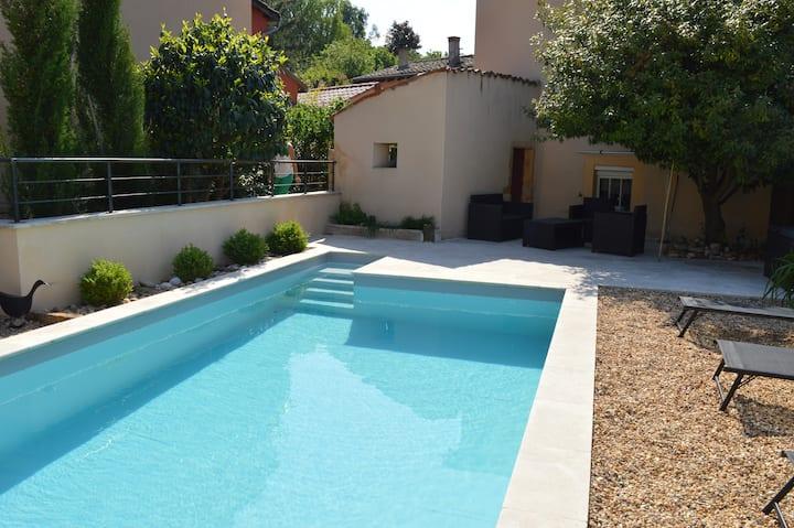 Charmante maison avec piscine dans le Beaujolais