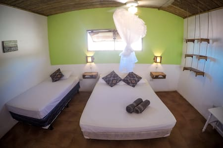 Triple room in the best location! - Las Peñitas - บ้าน