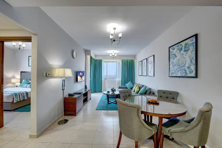 Bab Al Bahr Luxury Apartment