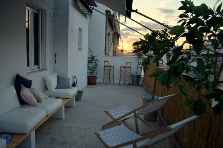 Spacious terrace and Acropolis in walking distance