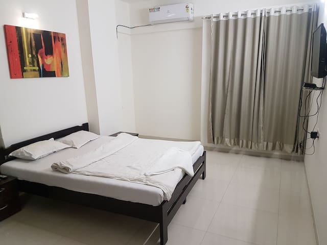 2 BHK private luxurious apartment near Osho ashram