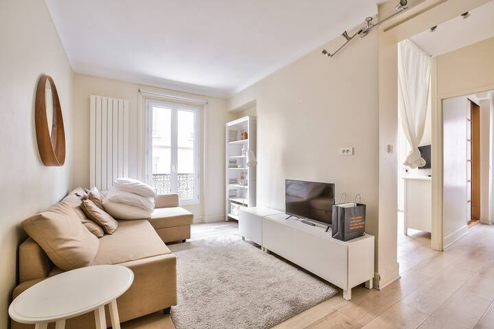 Great Value Flat For 6 Next To Pantheon !