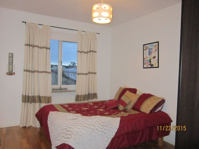 1 room rent. Only 15min to T-central & green area - Tukholma - Huoneisto