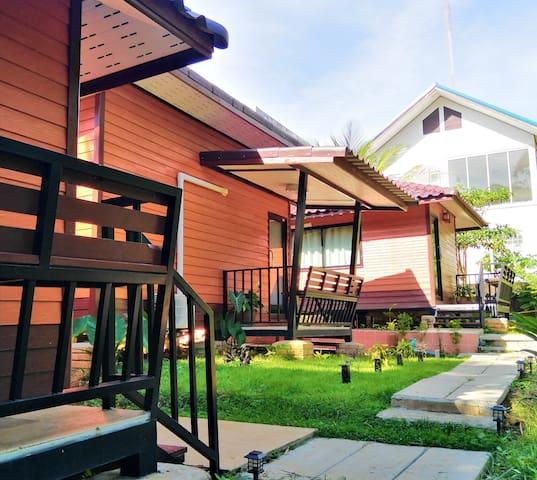 Phangnga bungalow 88 (double bedroom 1)