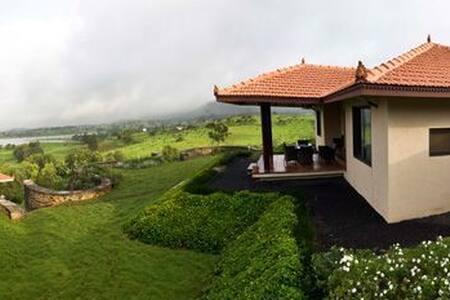 """Surreal "" 2BHK villa at igatpuri - Igatpuri - Villa"