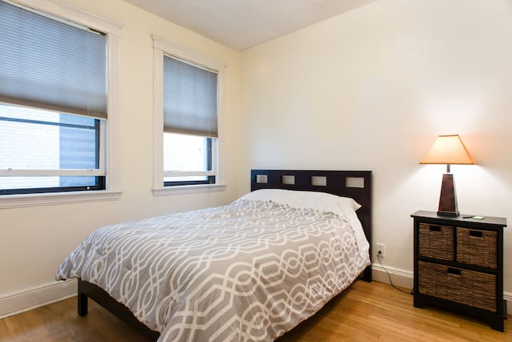 bedrooms next to train apartments for rent in boston massachusetts