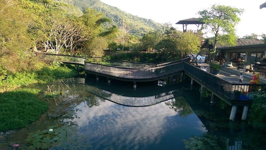 欣綠池畔屋-十人房-馬太鞍-阿美族生態捕魚體驗 - Guangfu Township - House