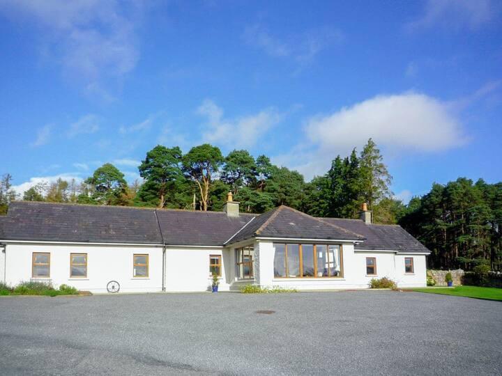 Mary Kate's Farmhouse - W32363 (W32363)