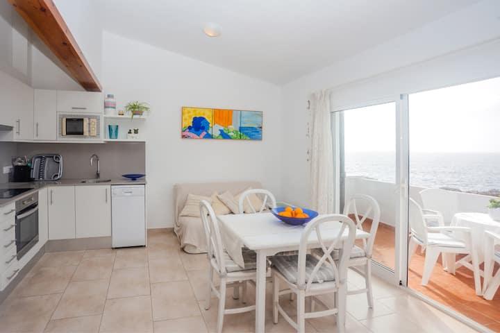 Apartamento de férias El Faro 8 com vista para o mar, Wi-Fi, Terraço e Piscina Partilhada; Estacionamento disponível