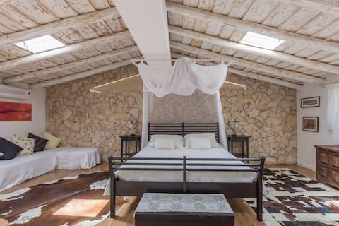 Romantic Villa with pool, Casa do Pintor.