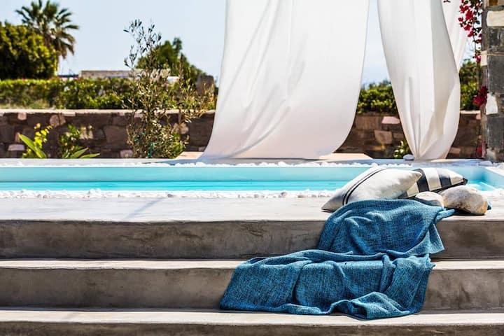 Villa Fuster on Santa Maria Beach-Naousa
