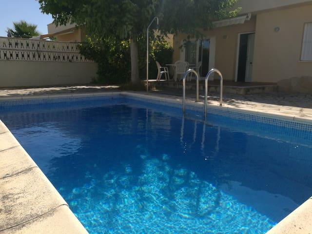Maison à Vinaros avec piscine pour 4 voyageurs