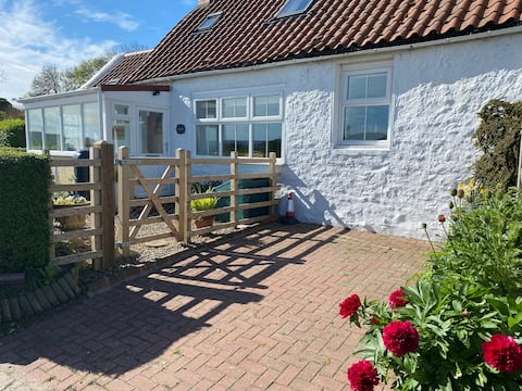 Cosy and quirky Cheviot cottage near Wooler