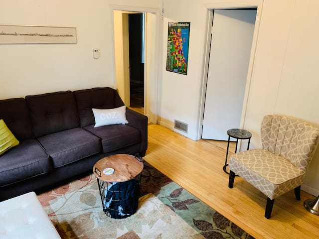 Cozy & Comfy 1.5BR Apt-Lincoln Square-Near Wrigley