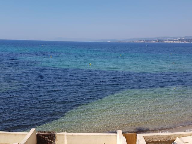 studio pleine vue mer 180 'à 30m de la plage, wifi - Six-Fours-les-Plages - Apartamento