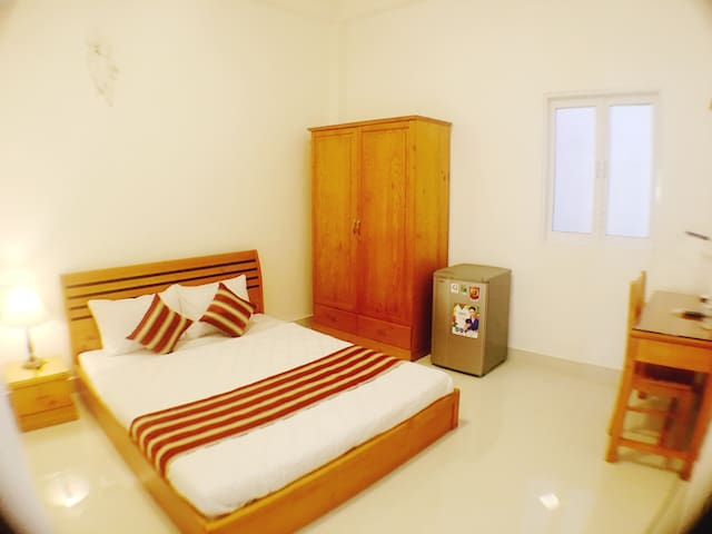 Room in Dist 1,good location,5 mins to Everywhere - Ho-Chi-Minh-Stadt - Haus