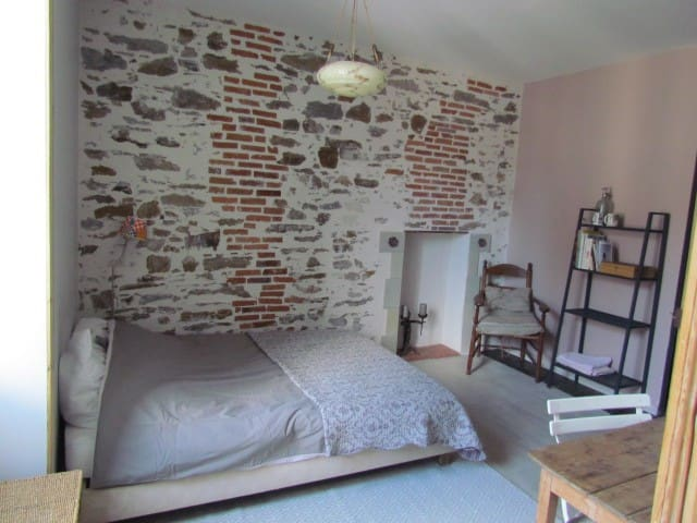 Charming loggia, quiet, near city center
