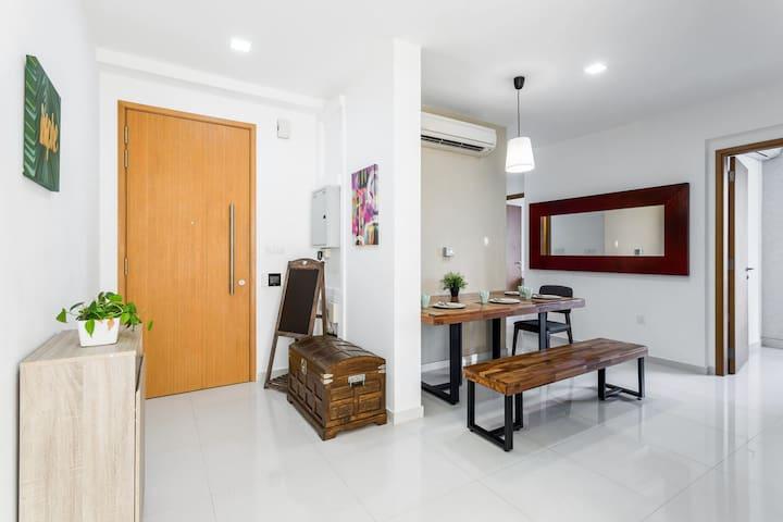 3 BEDROOM APARTMENT ON SERAYA LANE, EAST SINGAPORE