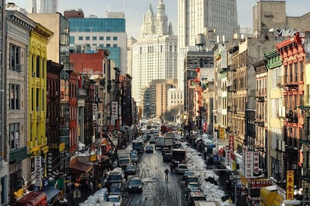 Room in Spacious,Quite & Safe apt. Best location! - New York