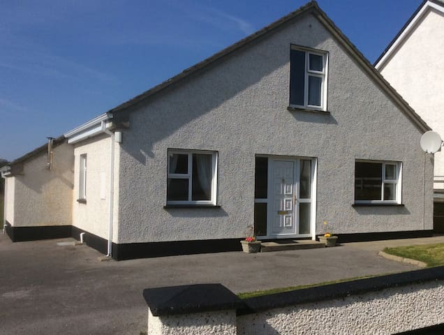 4 bed house central to Donegal town - Donegal Town - House