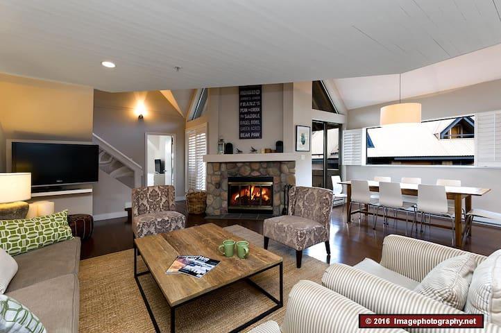 3 bedroom, quiet, spacious, tasteful, convenient.