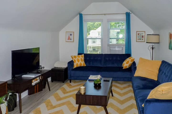 NEW! Modern Apartment < 1 Mi to Downtown Montclair