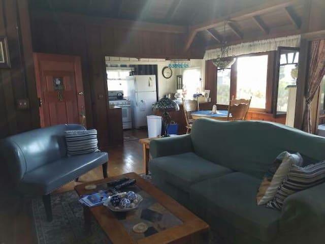 Couch in living room - Sacramento - Casa